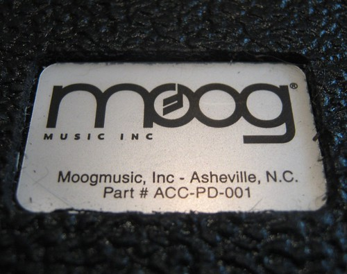 Logo de Moog Music Inc