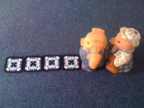 Mr. & Mrs. Piggy take a walk down the 'blue and white' brick road!