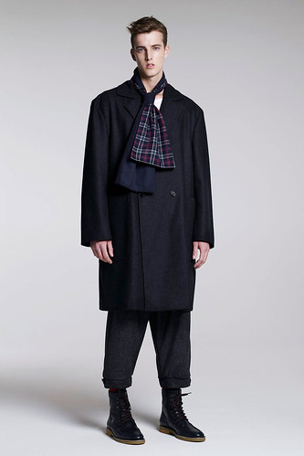 James Smith3049_FW10_London_B Store(GQ.com)