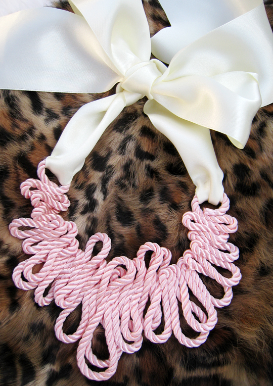 Rope Necklace-Leopard Background