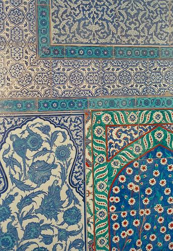 Dans le harem, panneau de céramique