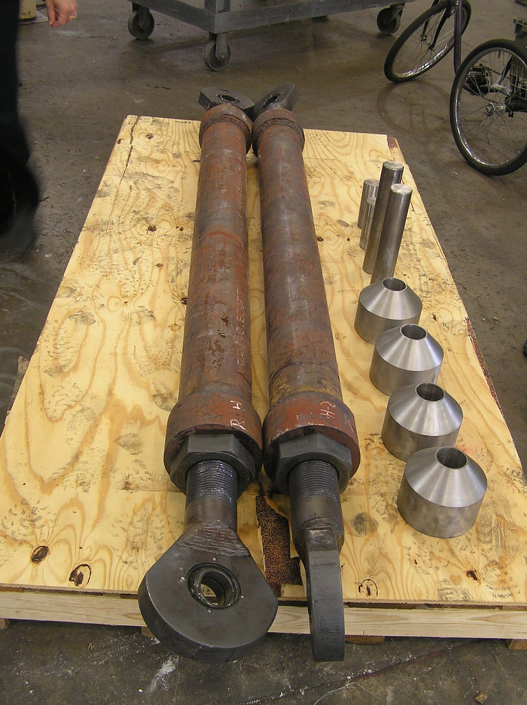 2 Sway Strut Hangers for a Power Generating Station