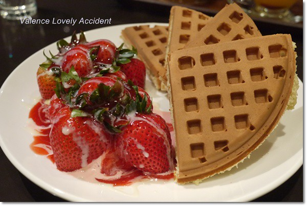 士林咖啡弄_草莓鬆餅冰淇淋