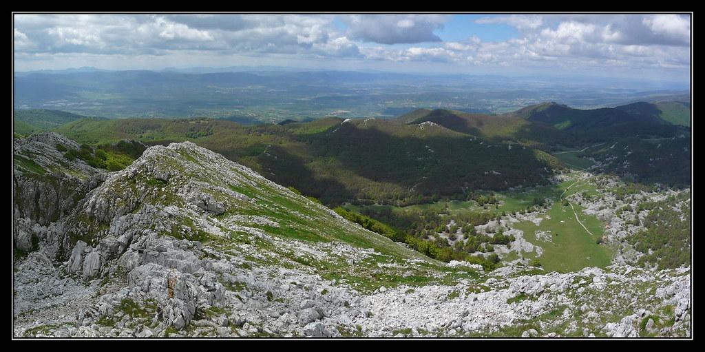 Campas de Oltza y llanura alavesa desde Aizgorri