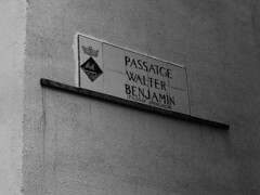 Walter Benjamin (foncer) Tags: bw bin catalunya antiphoto 2010 portbou walterbenjamin passatge foncer filosof