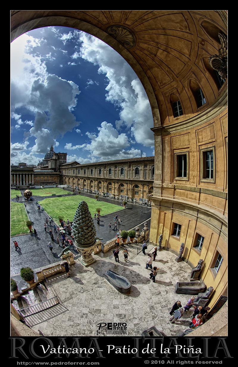 Roma - Museos Vaticanos - Patio de la Piña.