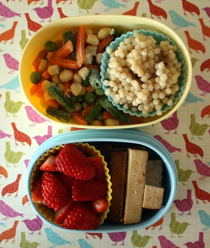 Toddler Bento #66: November 2, 2010