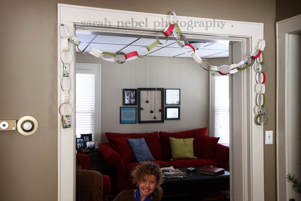 . christmas paper chain .