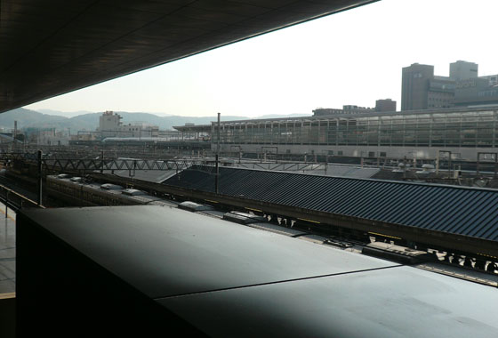 Bright and early at Kyoto station