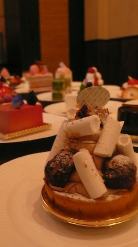 cakes in Christmas party  02