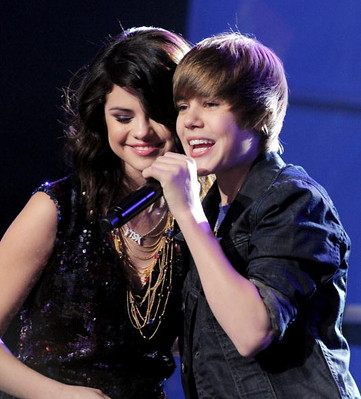 Selena Gomez and Justin Bieber by ♥Quit♥The 2nd.