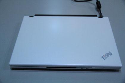 ThinkPad X100e ホワイト
