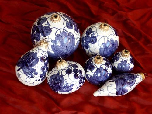 ceramica arte maria cristina natale palle faenza palline addobbi natalizi sintoni