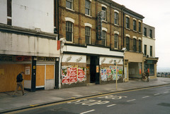 Sorrento Cafe, Southend-on-Sea. Sep 1985 (piktaker) Tags: uk sorrento essex southend southendhighstreet coffeebar southendonsea