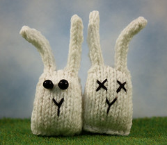 Suicide Bunnies (Squirrel Junkie) Tags: bunny knit buns sj knitted squirreljunkie bunnynuggets