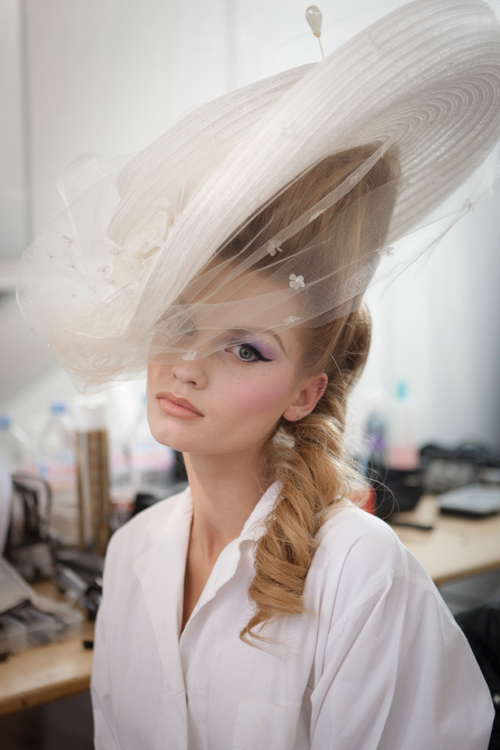 Christian Dior, haute couture, bakstage, mannequin