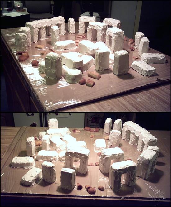 02_stonehenge-cake2