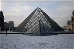 The pyramids (Magne M) Tags: winter snow paris france glass museum canon europe pyramid louvre amour chateau rivoli attraction canoneos400d winter2010 freezingmyassof