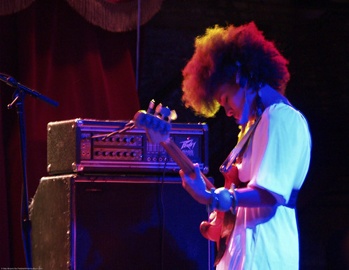 01.31.10 Earl Greyhound @ Brooklyn Bowl (5)