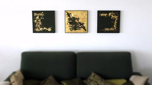 Bilder über Sofa