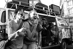 Ma che colpa abbiamo noi..... (Donato Buccella / sibemolle) Tags: street blackandwhite bw italy milan candid milano streetphotography cordusio canon400d sibemolle taolovebus fotografiastradale pulminorockitinerante httpwwwmyspacecomtaolovebus