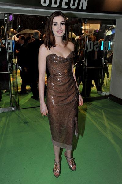 Anne Hathaway Alicia estreno