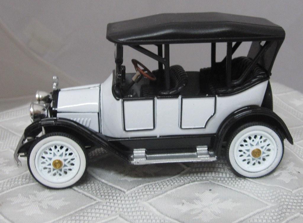1915 Chevrolet Baby Grand left