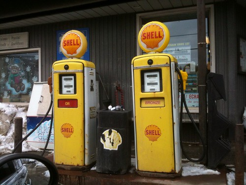 Pompes essence antique - gas pumps