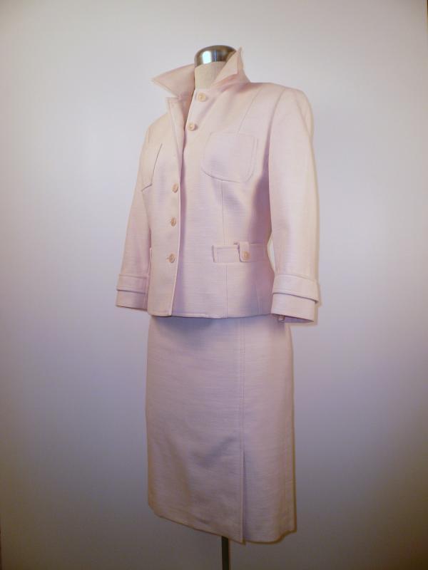 pink_LOFT_suit_front
