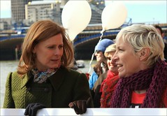 Sarah Brown & Annie Lennox (Herschell Hershey) Tags: bridge brown london me sarah prime gordon join wife pr pm embankment minister sarahbrown annielennox on internationalwomensday womensday macauley joinmeonthebridge