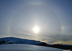 22 Halo, parahelia (sundogs) and upper tangent arc (MOUNTAINCULT) Tags: sky espaa sun mountain ice sol nature clouds spain europa europe crystals halo atmosphere biosphere cel natura unesco aragon atmosfera halos pyrenees muntanya reserves cirrus atmosphericoptics mab pirineus optics sobrarbe sundogs parahelia pirineu espanya cirrostratus spectres uppertangentarc atmosphericphenomena circumscribedhalo parquenacionaldeordesaymonteperdido 22halo espectres cirrostratos parcnacionalordesa fenomensatmosferics mountaincult