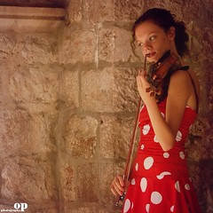 The Music of a Poem (Osvaldo_Zoom) Tags: portrait music woman girl nikon poem play croatia violin gigi dubrovnik violinist d80