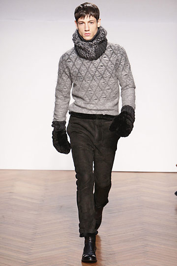Nicolas Ripoll3018_FW10_Milan_Pringle of Scotland(nymag com)