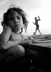 MINUTO EN EL MUELLE (Juan Camilo+Ortiz) Tags: bw children photography colombia foto juan photos playa nia universidad latinoamerica camilo silueta nio isla ortiz fotgrafo antioquia fotografa fuerte caminante audiovisual suramrica usuga universidaddeantioquia multimedial comunicador udea jcamil88 juancamiloortiz juancamiloortizusuga camiloortiz juancamiloortizusugacomunicadoraudiovisualymultimedial camiloortiztumblrcom juancamiloortizfotgrafo