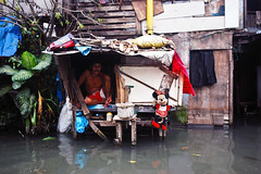 Floating home by Raniel José M Castaneda PWP/GWP (Global Water Partnership - a water secure world) Tags: house man home flood slum floatinghome urbanisation