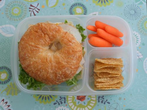 easylunchboxes croissant lunch