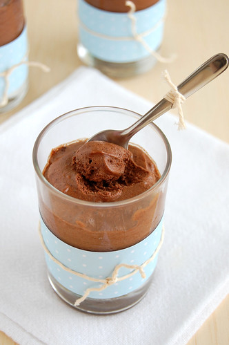 Spiced chocolate mousse / Mousse de chocolate com especiarias