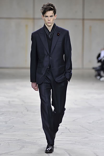 Jeremy Young2033_FW09_Paris_Hermes(lizzylily@mh)