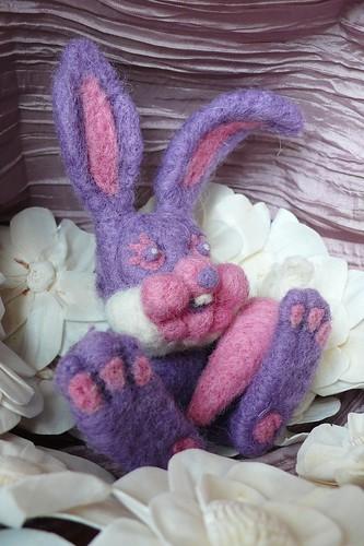 Mon nouveau petit lapin en laine cardée