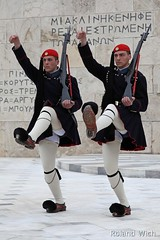 Athens - Changing of the Guard (Rolandito.) Tags: soldier tomb guard athens greece changing unknown griechenland grèce athen