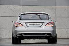 Mercedes-Benz-CLS-Shooting-Break-21