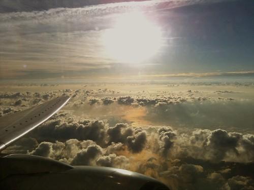 で、帰りの飛行機から、今回の旅での最後の一枚。
