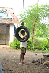 Swing Frame (Dina Shoukry) Tags: india children faces