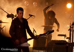 Nine Inch Nails - 2009 (crestina.martins) Tags: people music drums lights concert inch ninja live nin nine crowd nails amphitheater electronic 2009 molson sooc nin|ja nin54d6y5x8yf lastfm:event=965000