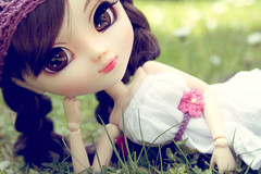 Bella =) ( J a c k y) Tags: pink flowers brown sun white black flower cute me hat by daisies canon germany hair outdoors nose eos spring big eyes long eyelashes dress purple sweet crochet skirt lips more lilac planning wig daisy groove ribbon pullip bella braids custom 27 jacky changes 1000 jun changed alte obitsu 27cm 1000d