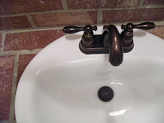 Bronze bathroom faucet