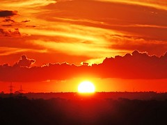em Braslia (Edison Zanatto) Tags: sunset brazil sky naturaleza sun sol southamerica nature braslia brasil skyline backlight clouds sunrise atardecer soleil nuvole natureza natur wolken paisaje paisagem cu prdosol cielo nubes cumulus nuvens  nuvem crpuscule landschaft sonne paesaggi ocaso sonneuntergang alvorada stratus controluce anochecer anoitecer coucherdesoleil crepsculo nascente contrallum puestadelsol americadosul cirros poente puestas fimdetarde cumulusnimbus luscofusco sdamerika dramtico cumulonimbusclouds nikond200 dilculo postadelsol crepsculovespertino postadosol continentesulamericano  edisonzanatto