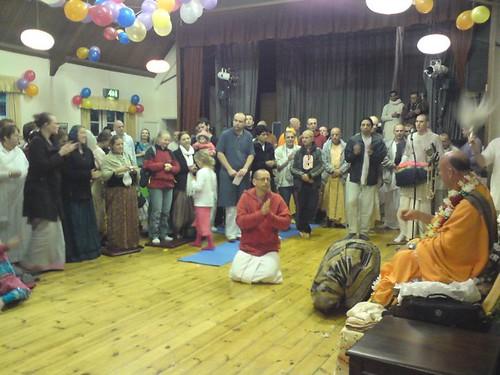 Indradyumna Swami Vyasa puja in UK 2010 -0016 por ISKCON desire  tree.