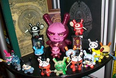 obey & friends (mikaplexus) Tags: favorite bunny bunnies art animal animals toy toys book artist designer signature vinyl obey books collection kidrobot collections chase collectible limited rare 2009 limitededition collect qees qee dunny arttoy signed designertoys arttoys designertoy toy2r vinyltoy oxop 8inch vinyltoys dunnys designervinyl ireallylike limed designervinyltoys booksmagazines designervinyltoy signedbyartist designervinyls yeoldenglish 2009series designerarttoys designerarttoy