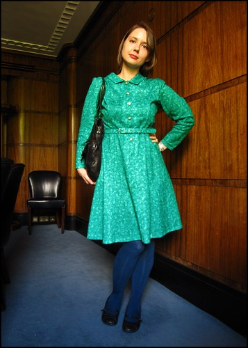 14.5.10: turquoise vintage dress, fashion, clothes, style, outfit, thrift, thrifted, blogger, blog, creative, colour, color, charity shop, quirky, individual, vintage, turquoise, green, blue, teal
